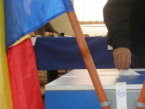 Cine pierde si cine castiga din comasarea alegerilor