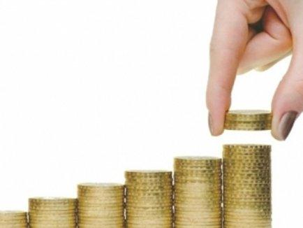 Veniturile bugetarilor vor creste cu 8% in iunie, iar cu 7,4% in decembrie