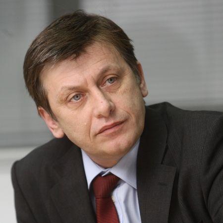 Cum va ajunge Antonescu presedinte in 2012?