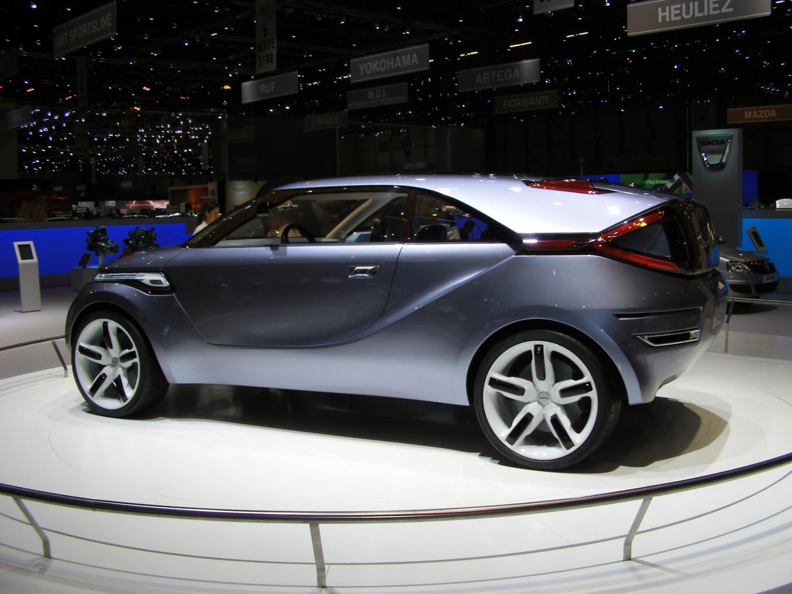 dacia duster se afla pe lista automobilelor finaliste la car of the year 2011. Black Bedroom Furniture Sets. Home Design Ideas