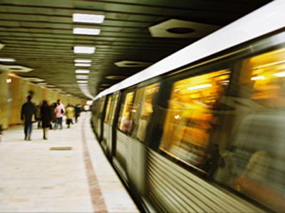 Dupa 3 ore de intrerupere, circulatia metroului intre statiile Timpuri Noi si Nicolae Grigorescu a fost reluata