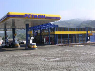 Petrom da startul scumpirilor de carburanti