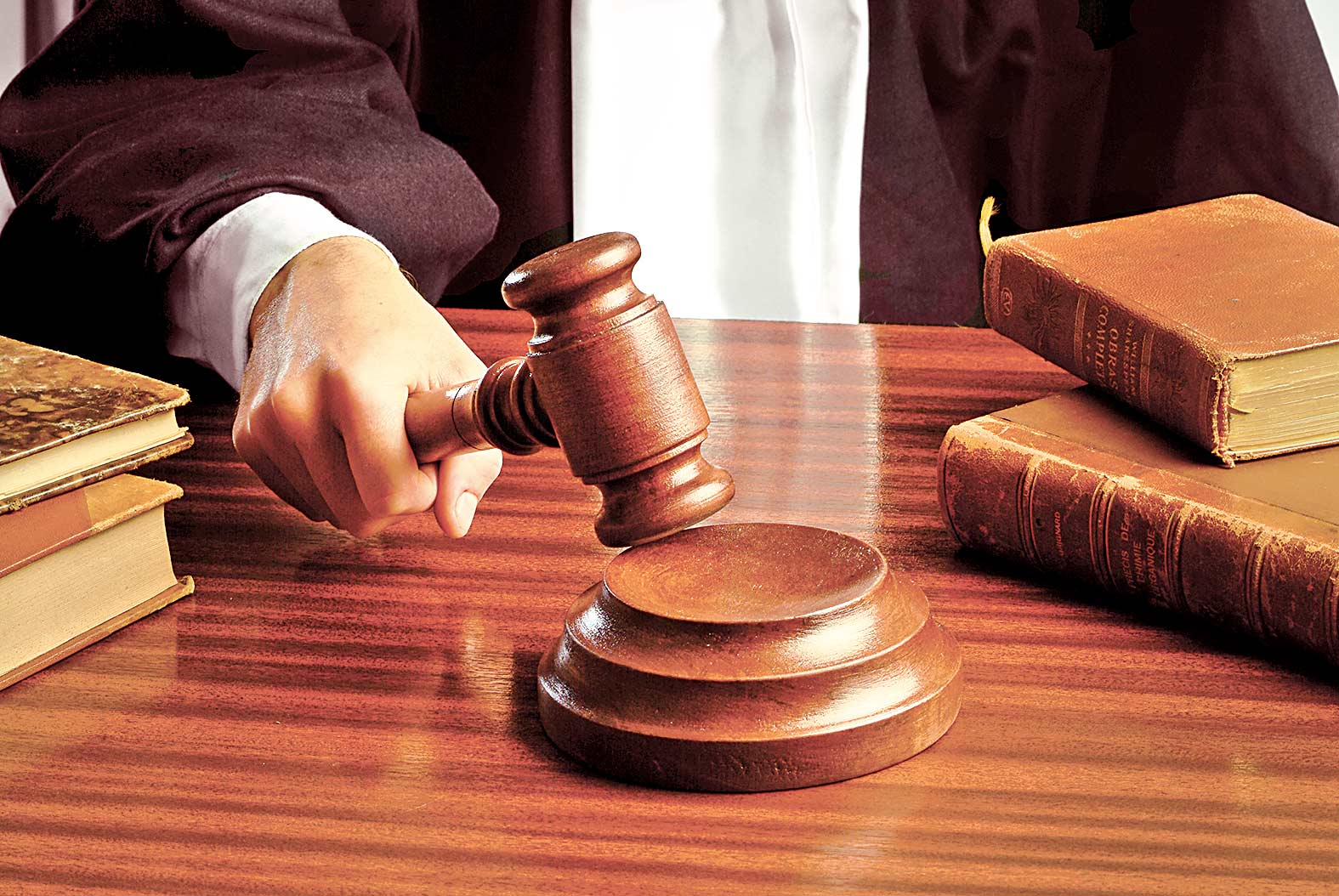 Posturi de judecator vacante